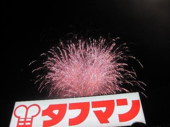 Jingu Baseball Stadium: 球場からみる花火