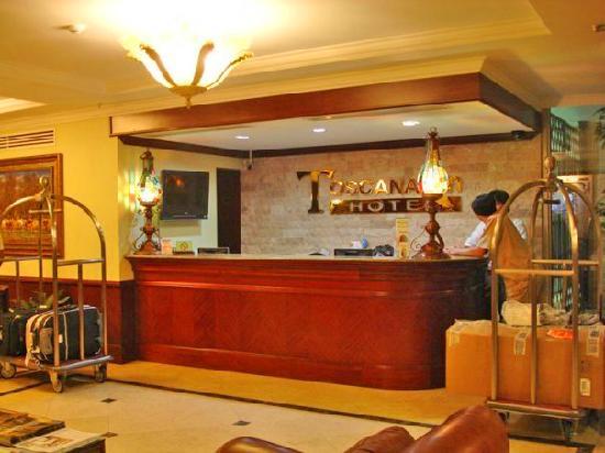Toscana Inn Hotel: Recepción