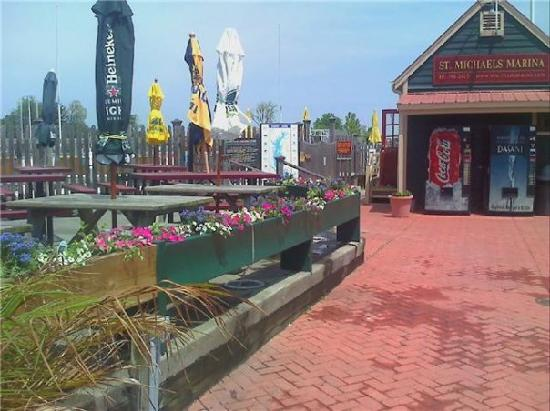 St. Michaels Crab & Steak House: The crab house patio and marina