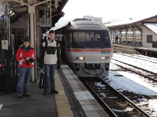 ทานาเบะ เรียวกัง: Train at Takayama