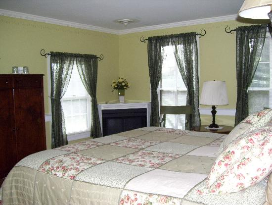Baladerry Inn: Vines Room
