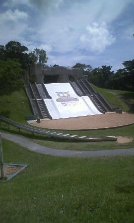 Banna Park: 上から見たら結構怖いです。子供はすいすい滑ってましたけど