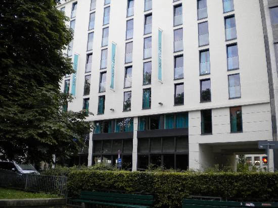 Motel One Muenchen-Sendl. Tor: Motel One front