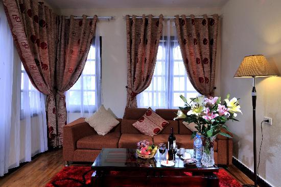 โรงแรมซาปาอีเดน: Sitting area in Junior Suite