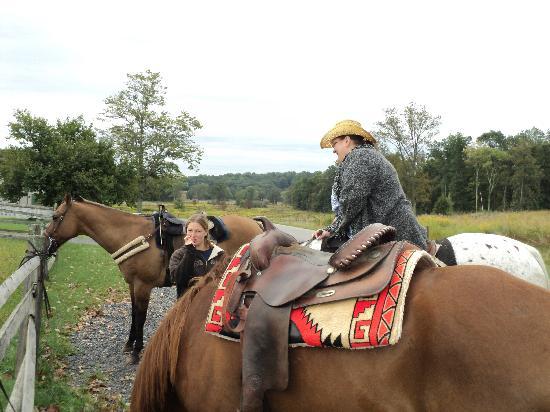 Hickory Hollow Horse Farm: Me and Tasha taking a break