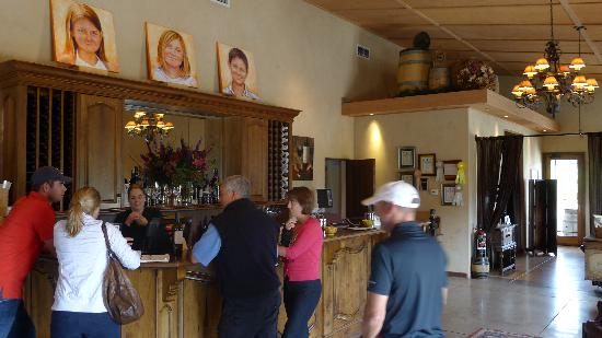 Reynolds Family Winery: Tasting Room