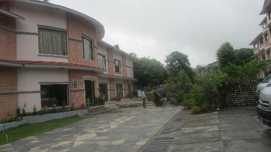 เมาท์ ไกลาศ รีสอร์ท: Mt Kailaskh hotel front view