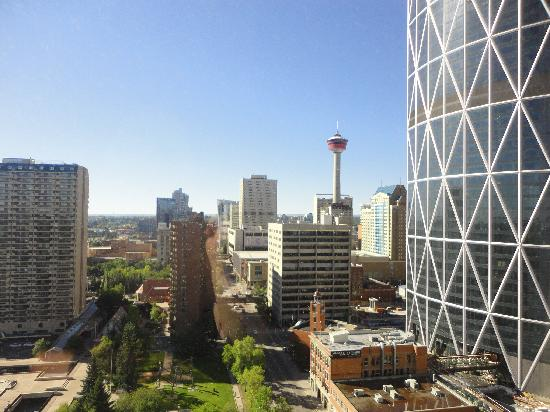 Delta Hotels Calgary Downtown: Day view