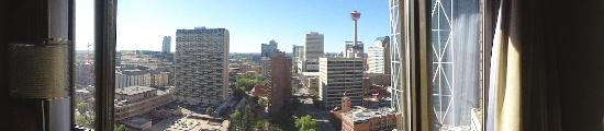 Delta Hotels Calgary Downtown: The great view of downtown Calgary