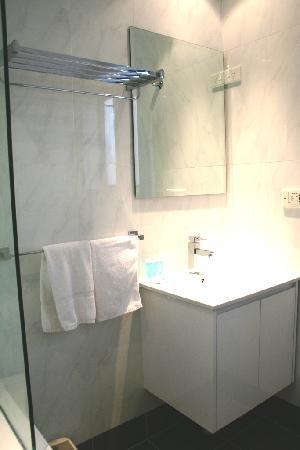 การ์เด้นลอดจ์ ซิดนีย์: European Designer Bathroom