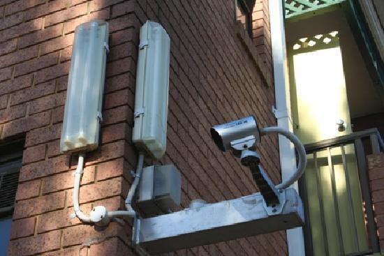 การ์เด้นลอดจ์ ซิดนีย์: Free CCTV Monitored Carpark