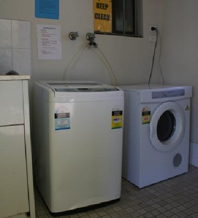 การ์เด้นลอดจ์ ซิดนีย์: Free Convenient Guest Laundry
