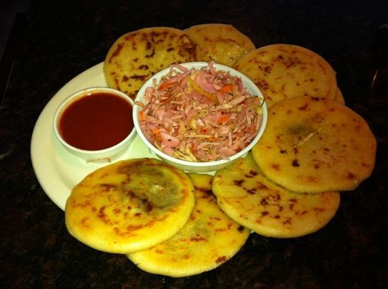 Mi Pequeño El Salvador Restaurant: Famous Pupusas!