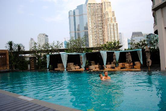 อนันตรา กรุงเทพฯ สาทร: Pool area