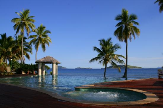Mana Island Resort: One Pool