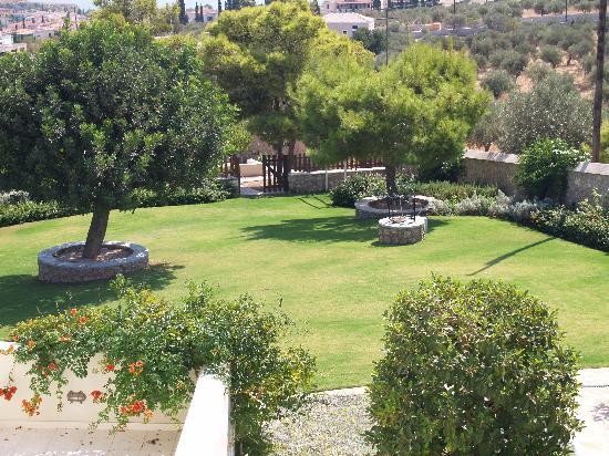 Xenon Estate: garden of paradise!