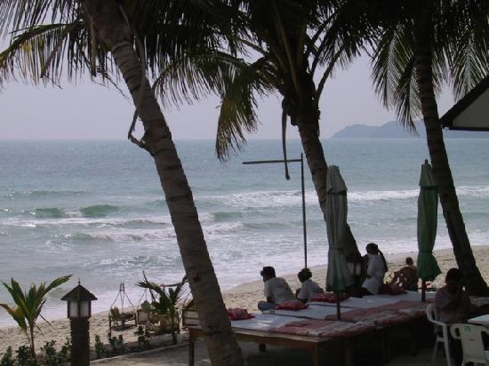 โรงแรมบานาน่า แฟนซี: Massage sur la plage