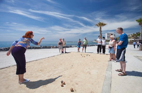 Sunset Beach Club: Petanca by the sea
