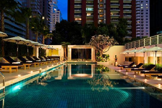 Courtyard by Marriott Hotel Bangkok: Outdoor Pool
