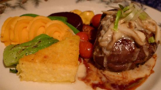 The Lakefront Restaurant: Fillet Mignon