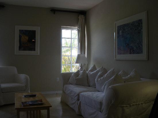 Bentley Hotel South Beach: divano e soggiorno