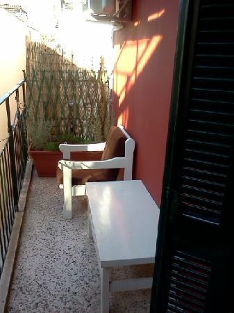 Hotel Avra: Balcony