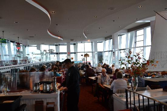 Franciscan Crab Restaurant: Sala vista bar