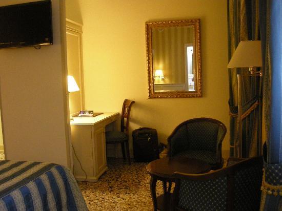 Hotel Bella Venezia: chambre 205
