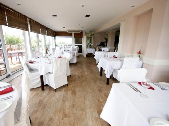 Salterns Harbourside Hotel: Restaurant