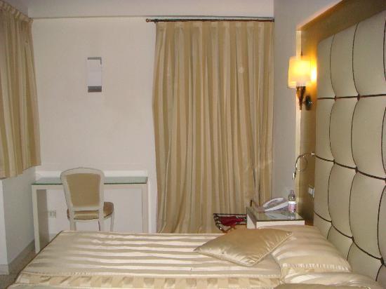 Hotel Campiello: Queens' clothes