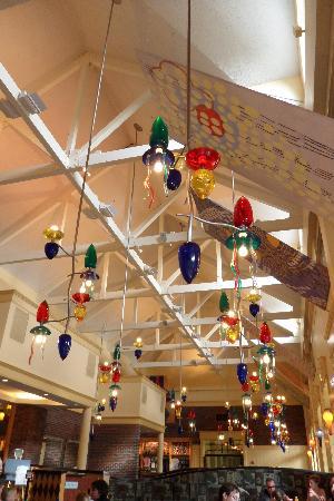 Disney's Saratoga Springs Resort & Spa: Food Court