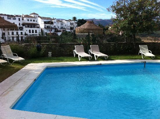 Parador de Ronda: Swimming pool