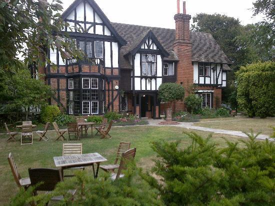 Tudor Grange Guest House: Tudor Grange in summer