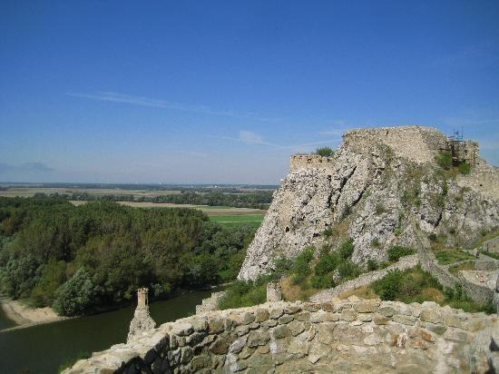 Burg Devin (Thebener Burg): Die Burg