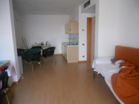 Menfi Beach Resort: interno appartamento 1