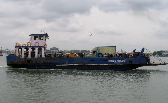 Vypin Island, Hindistan: Faehre von Fort Kochi nach Vypeen Island