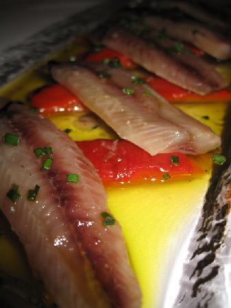 Conlaya: Lomos de Sardina ahumados sobre pimiento rojo asado en casa