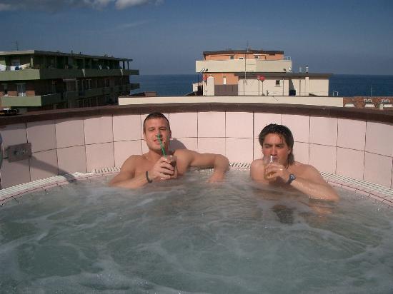 Hotel Dell' Amarissimo : bibita fresca nell'idro