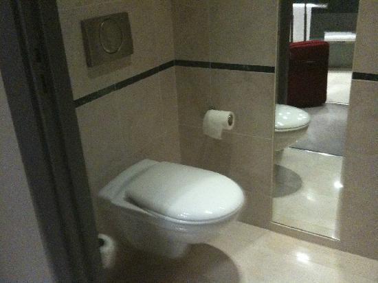 Hotel Banke: die Toilette