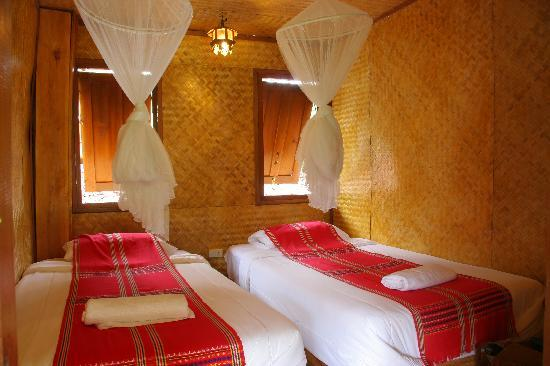 Karen Hill Tribe Lodge: Clean and Comfortable beds