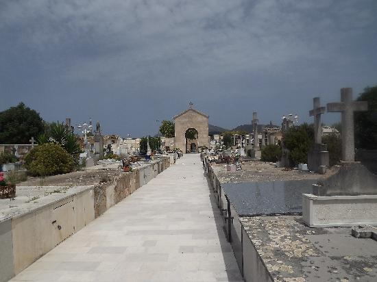 Apartamentos Siesta I: pic taken inside the cemetary at the old town of Alcudia