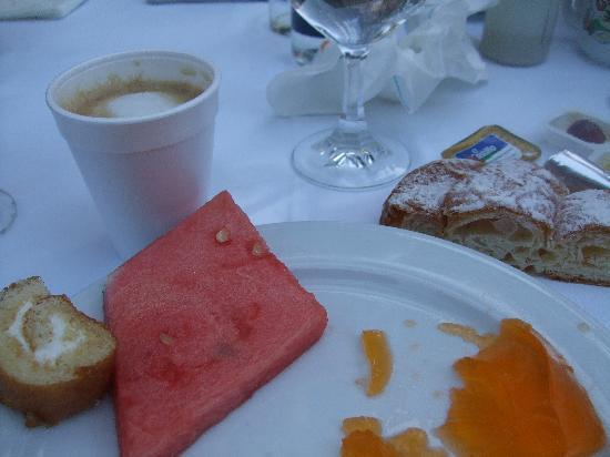 Estrella Coral de Mar Resort Wellness & Spa: nice deserts at buffet, but buy coffee in bar