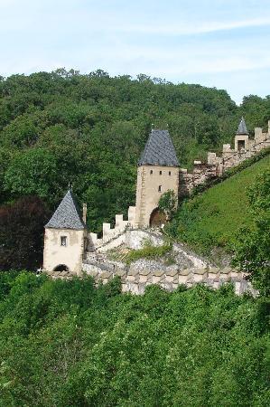 Karlstejn Castle: The walls