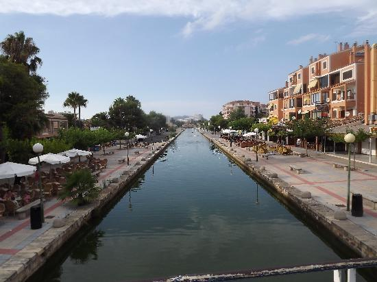 Apartamentos Siesta I: view from the bridge on main street