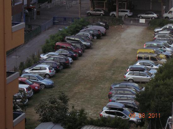 Hotel Jumbo : Il parcheggio