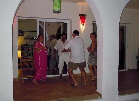 Menzel El Karam: une soirée pleine de danse