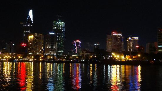 Wendy Tour -One day Tour: サイゴン川の夜景