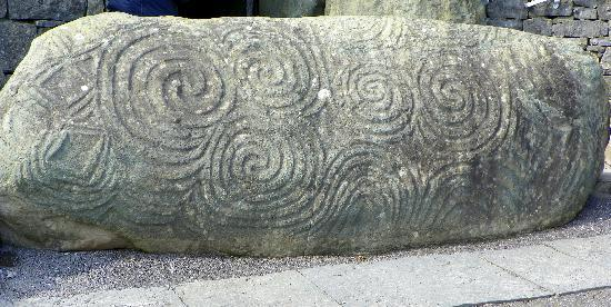 Bus Eireann Day Tours: Stone at Newgrange entrance