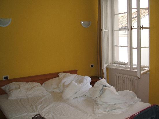 โรงแรมเรสซิเดนซ์ โบโลญญา: La camera