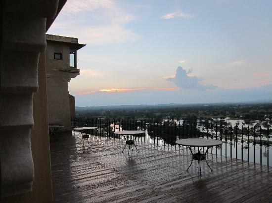 Sardargarh Heritage Hotel: Sardargarh sun set